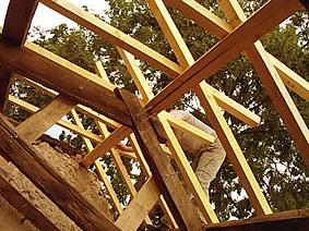 construire_toit_cabane_000.jpg