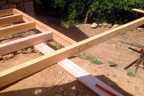 construction-terrasse-cabane-debut.jpg