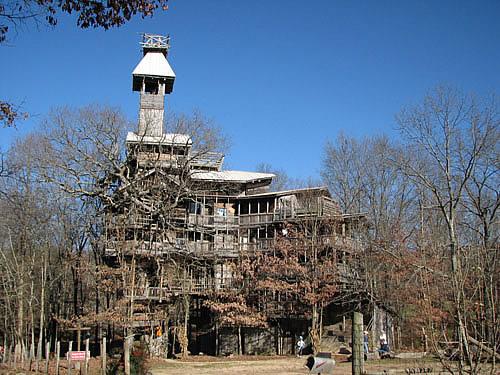 cabane dans les arbres géante aux USA