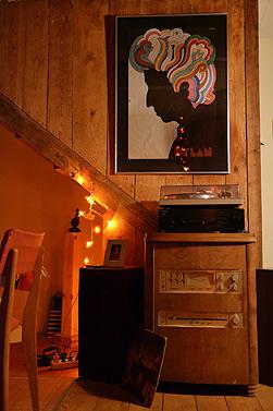 cuisine en musique avec chaîne HIFI