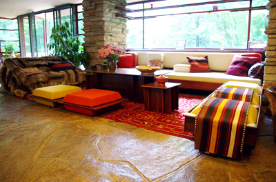 frank-lloyd-wright-fallingwater-living-room.jpg