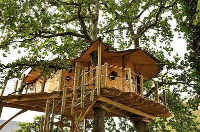 maison perchee dans les arbres ventana blog. Black Bedroom Furniture Sets. Home Design Ideas