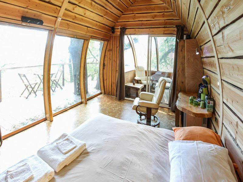 location cabanes perch es et insolites de millau aveyron. Black Bedroom Furniture Sets. Home Design Ideas