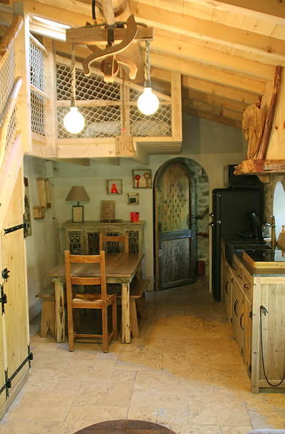 Cabane Hobbit photo-cabane-hobbit-main-room