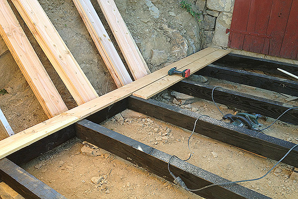construction-terrasse-cabane7.jpg