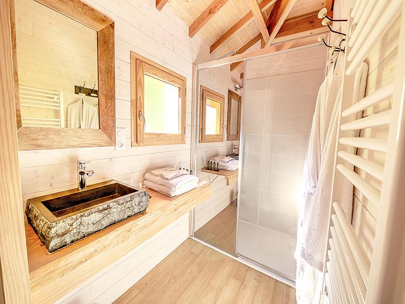 location cabane perch e domaine de la male tarn et garonne. Black Bedroom Furniture Sets. Home Design Ideas