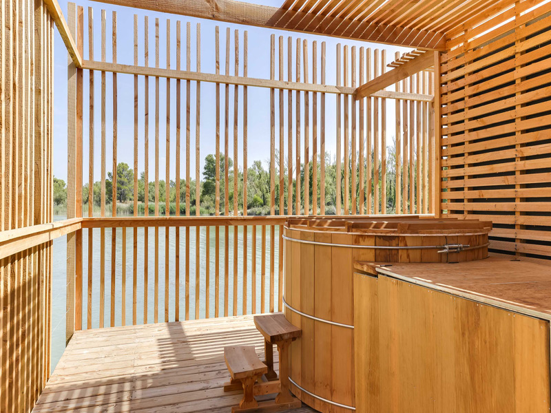 location cabanes insolites des grands c pages vaucluse 84. Black Bedroom Furniture Sets. Home Design Ideas
