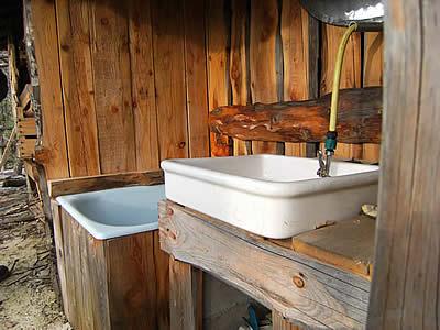 Salle d'eau extérieure en dosse
