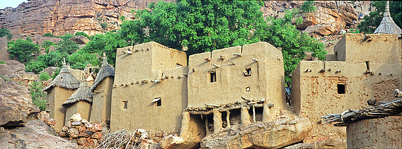 l'auto-construction en paille : l'exemple des maisons Dogon au Mali