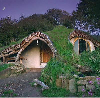 Simon Dale, exemples de maison intégrée